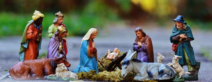 christmas-crib-figures-1060026_1920.jpg